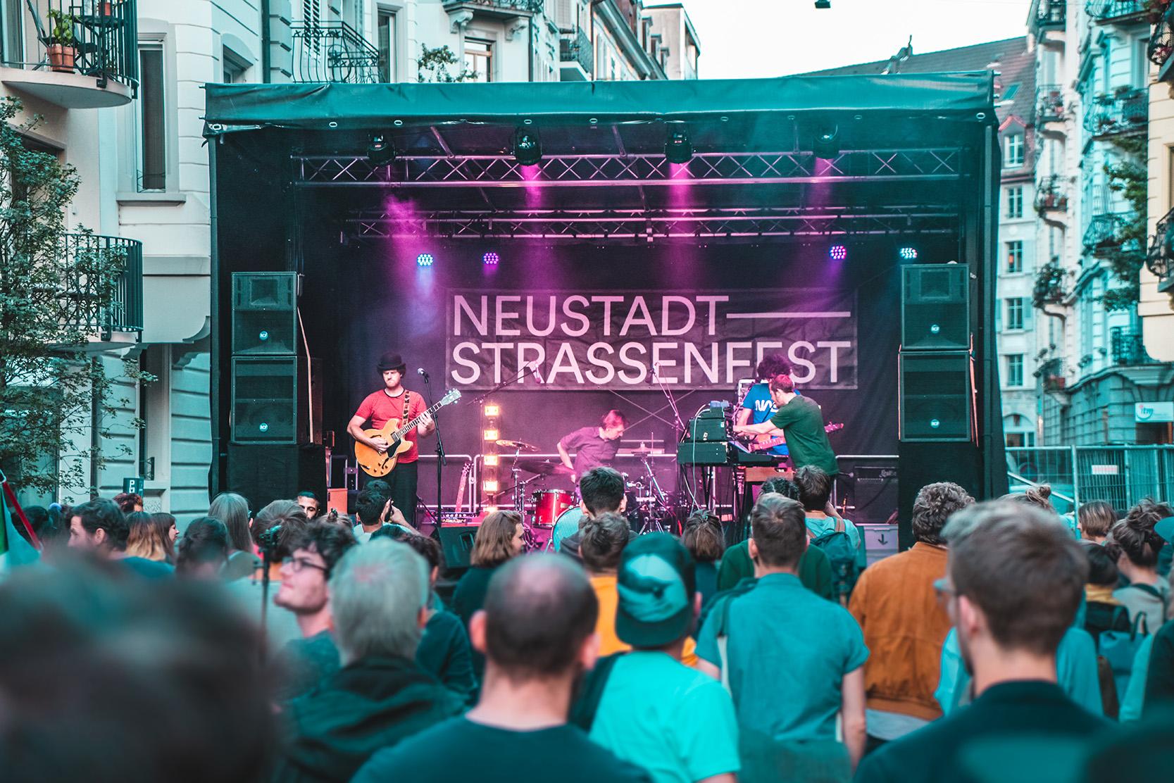 Neustadt-DB6.jpg