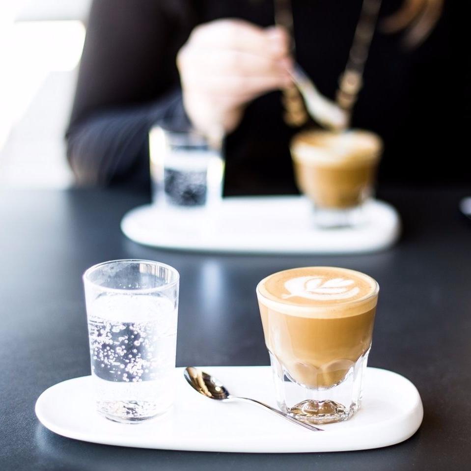 Cafe-Cafeina-Adicciones-Consumo-Alimentacion-Salud_245237322_46076747_1706x960.jpg