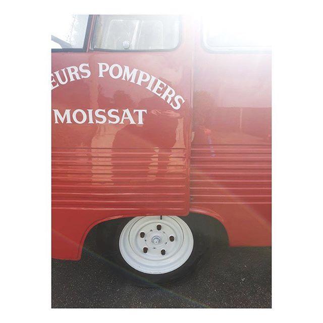 All good Sunday's are spent polishing the van 🚒👌🏼 . . #pompier #pompierbarbeque #cornwall #adventure #sundays