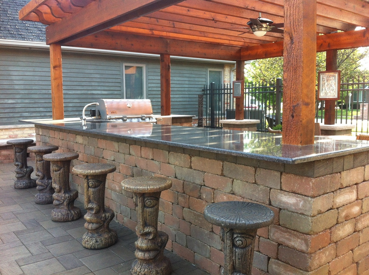 Peotone, IL outdoor kitchen with pergola