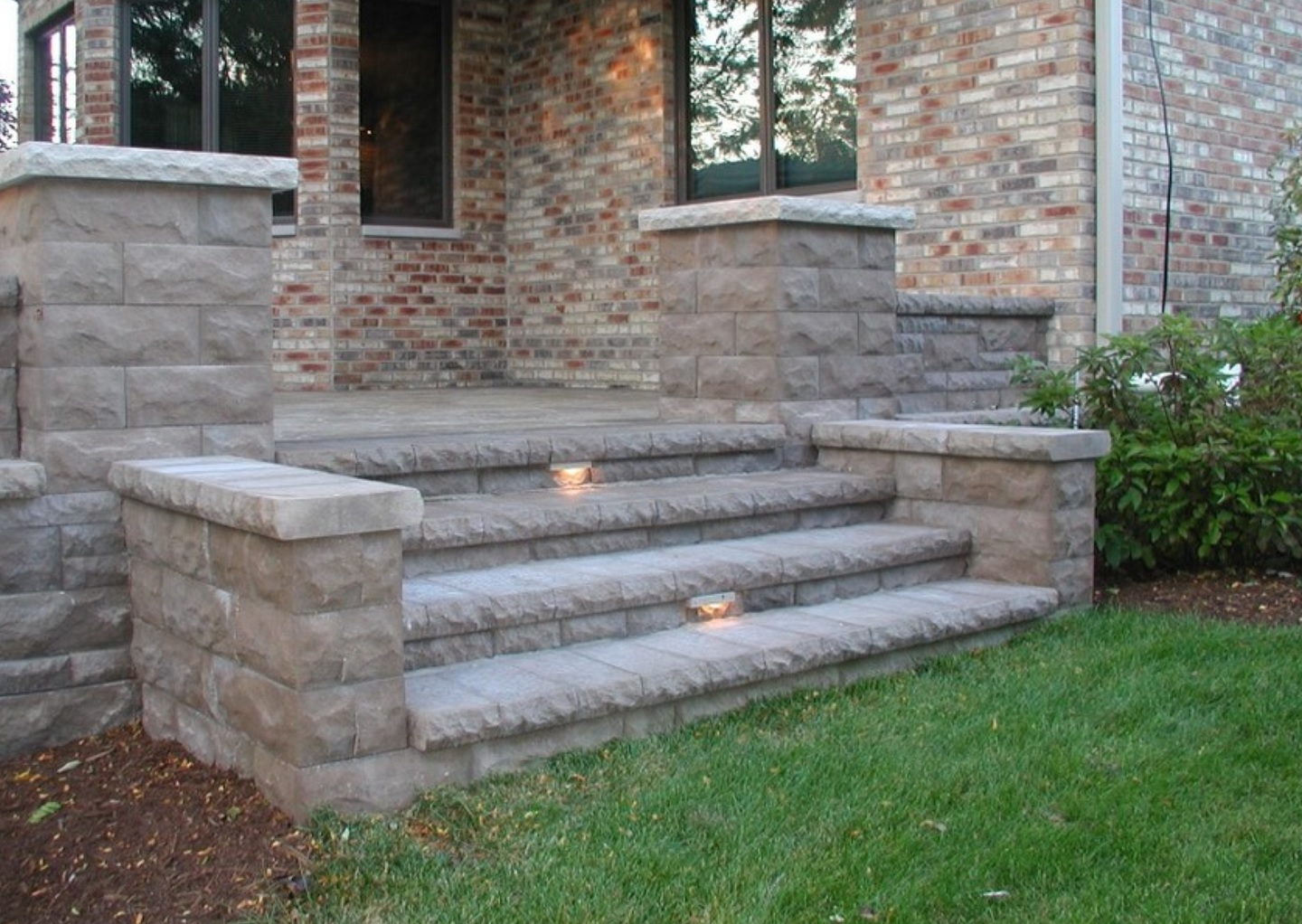Retaining wall and landscape lighting in Peotone, IL