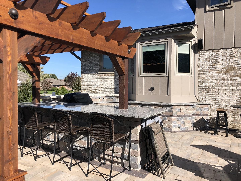 Outdoor kitchen and pergola in Peotone, IL