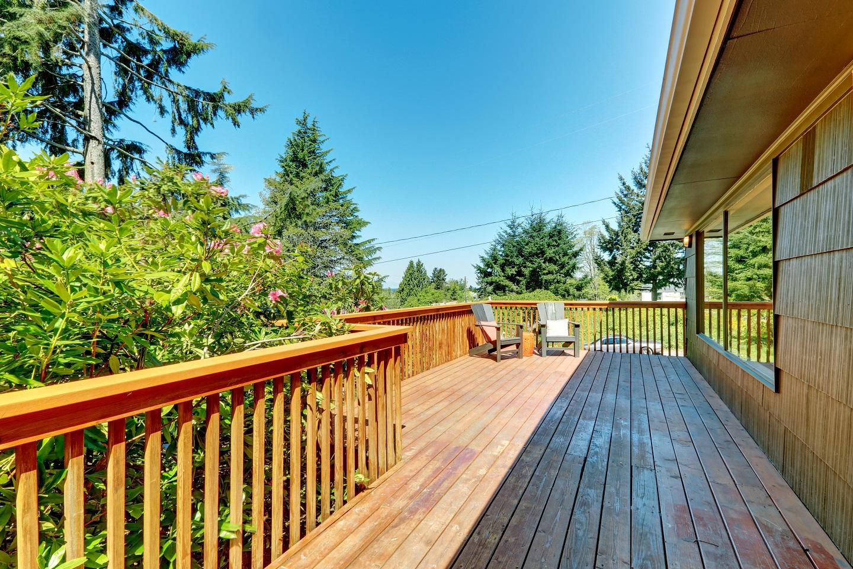 wood deck 3.jpeg