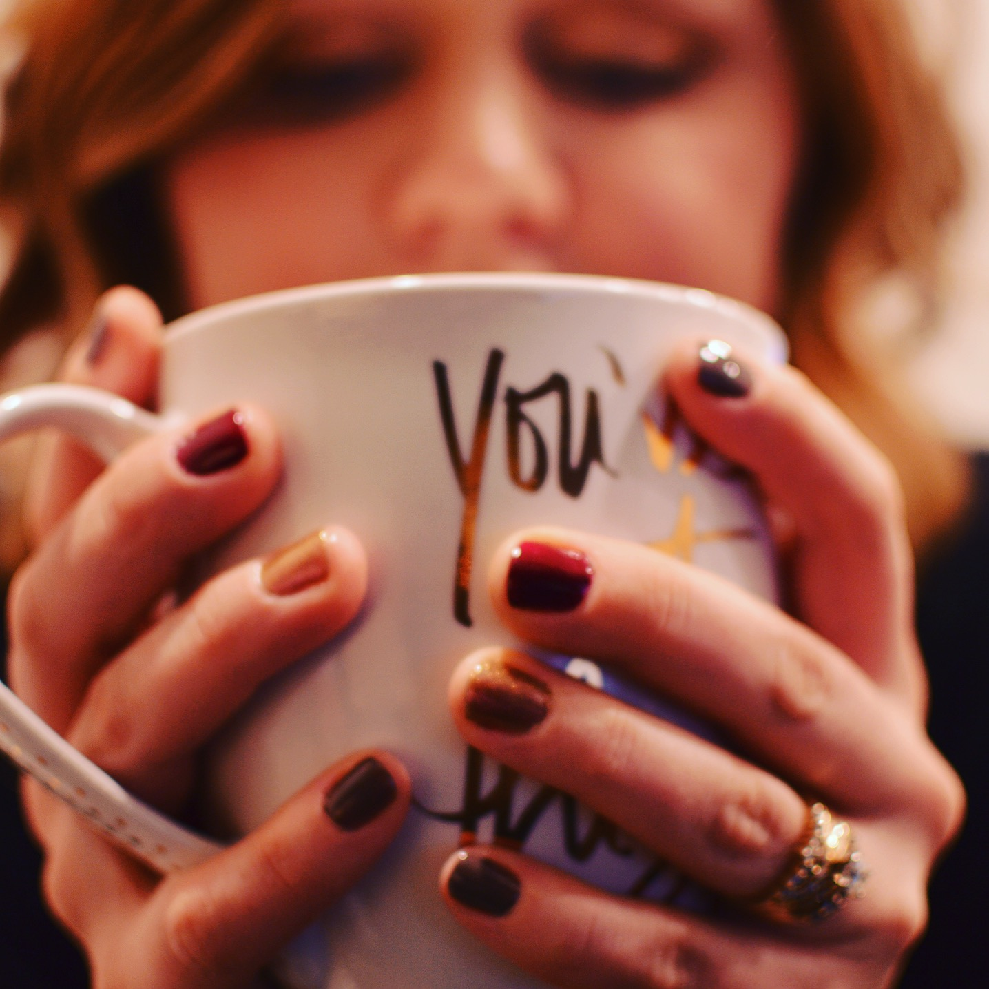 Toni loves a beautiful mug and vanilla lattes.