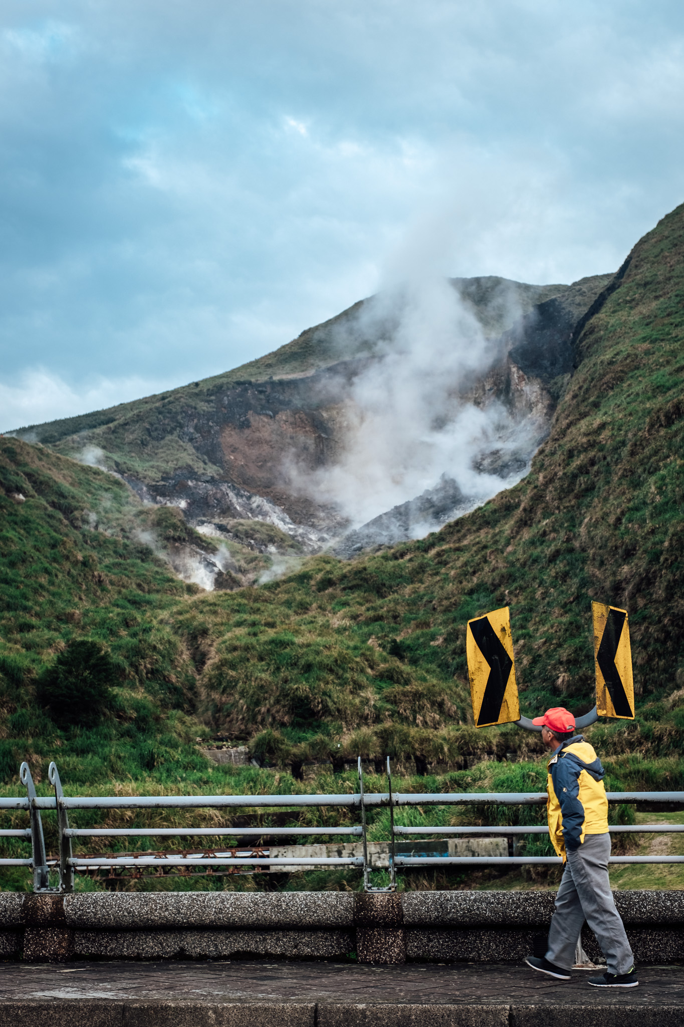 - Getting closer to fumarole at Yangmingshan National Park