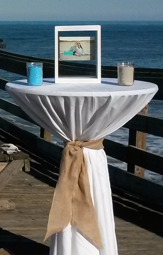 Ceremony Table with Linen Burlap Accent.jpg