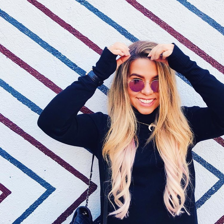 Hailey Williams - Total Audience: 1.7 MillionINSTAGRAM YOUTUBE