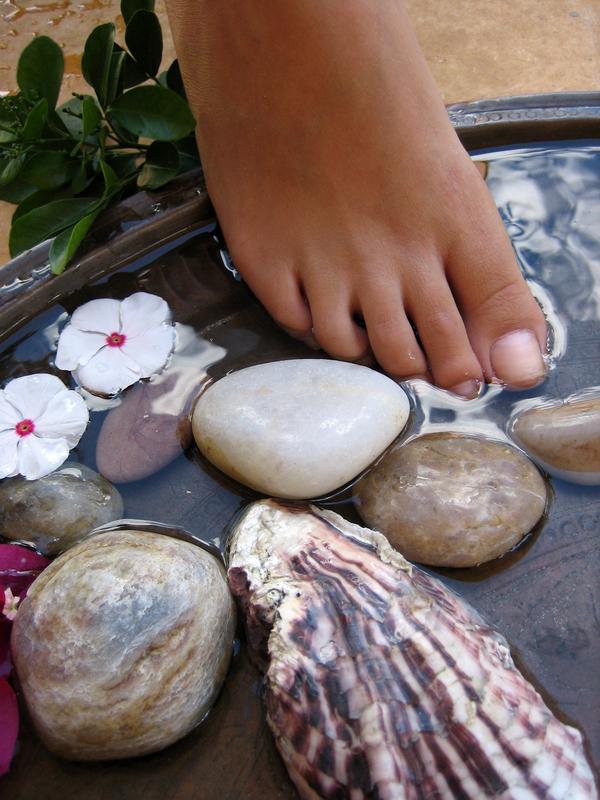 Ionic+Foot+Bath+detox+adagio+holistic+therapies.jpg