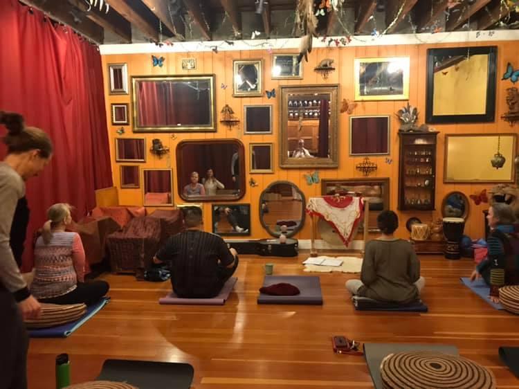 kundalini+sound+bath+Adagio+Holistic+therapies.jpg