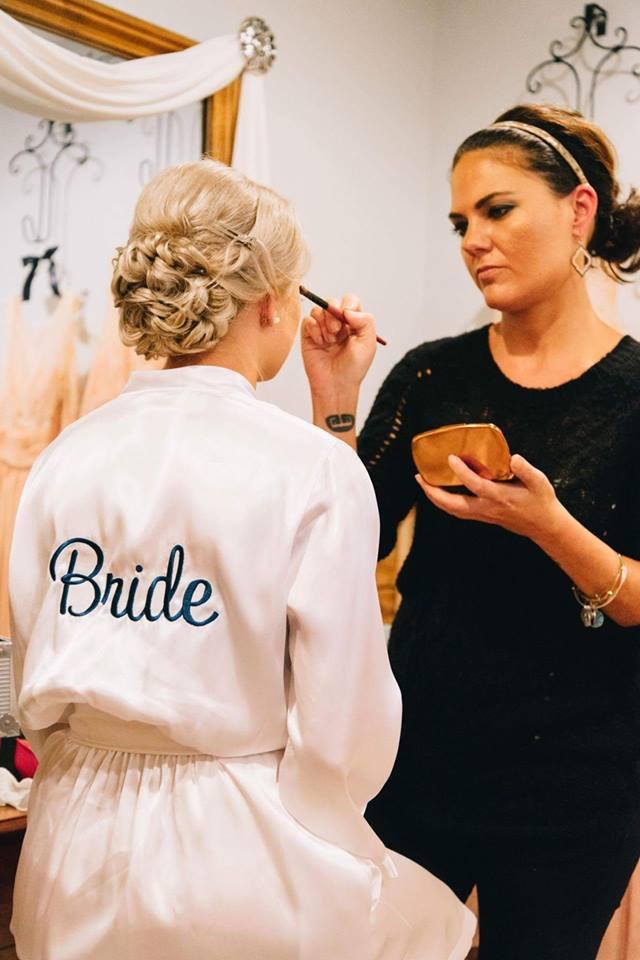 Jolina Goad, professional wedding-make-up artist.