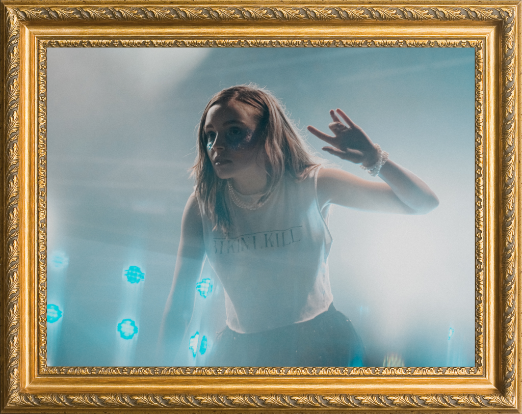 13_Chvrches-1024x813.png