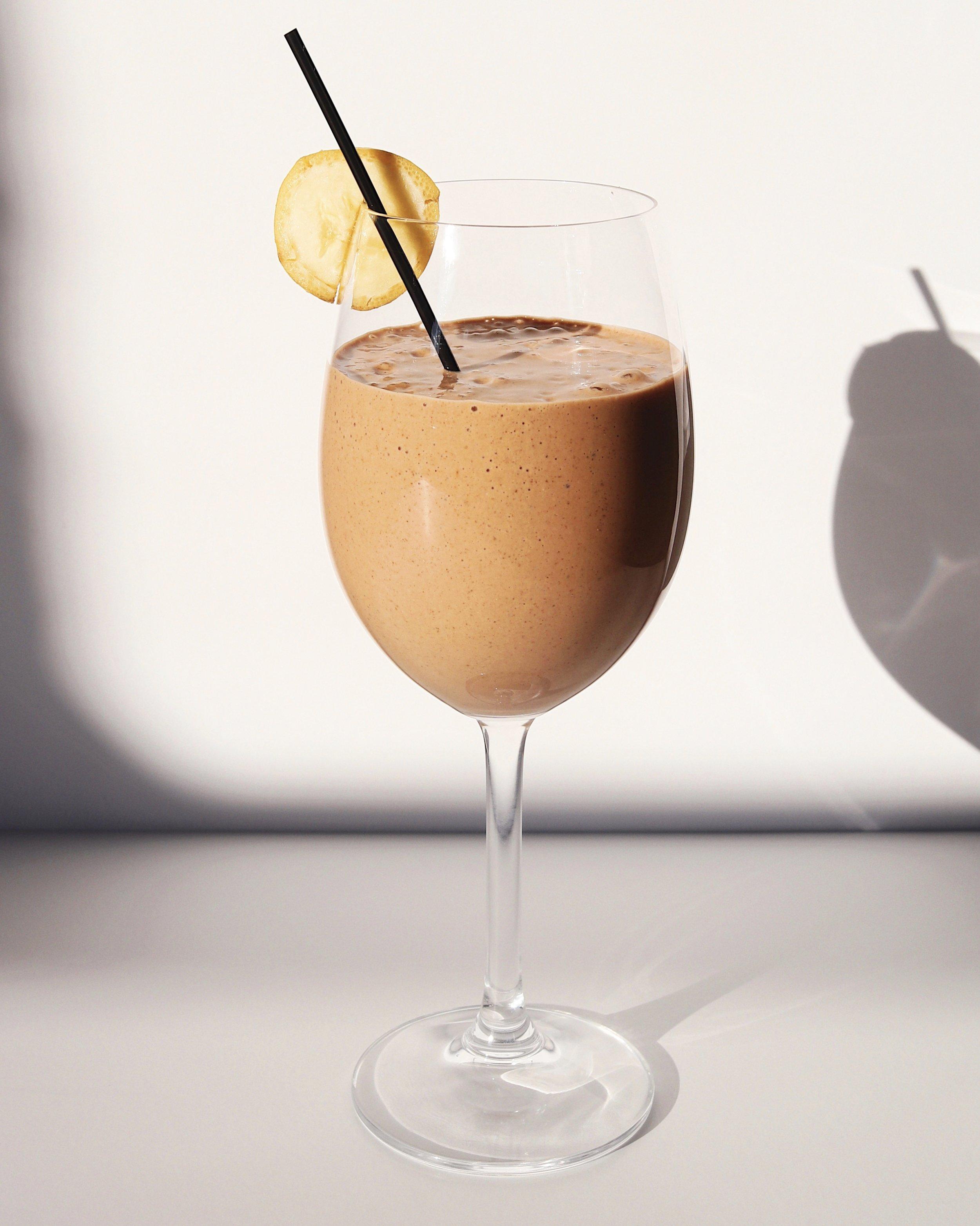Cacaochocolatepeanutbuttersmoothiewholydose.jpg