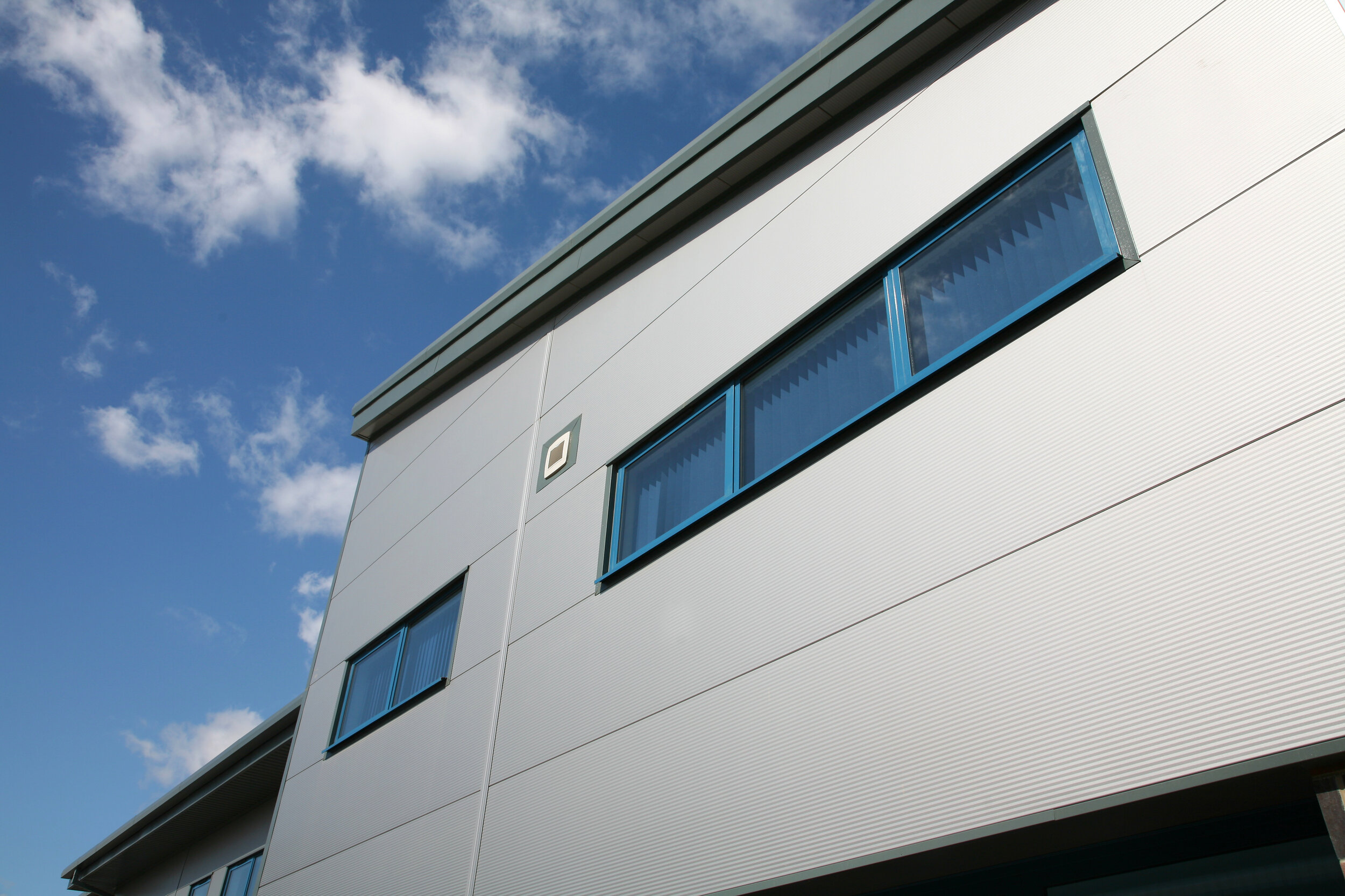 University Academy Holbeach - Location: Holbeach, LincolnshireValue: £55,000.00Sector: EducationProducts: Aluminium casement windows and commercial entrance doors