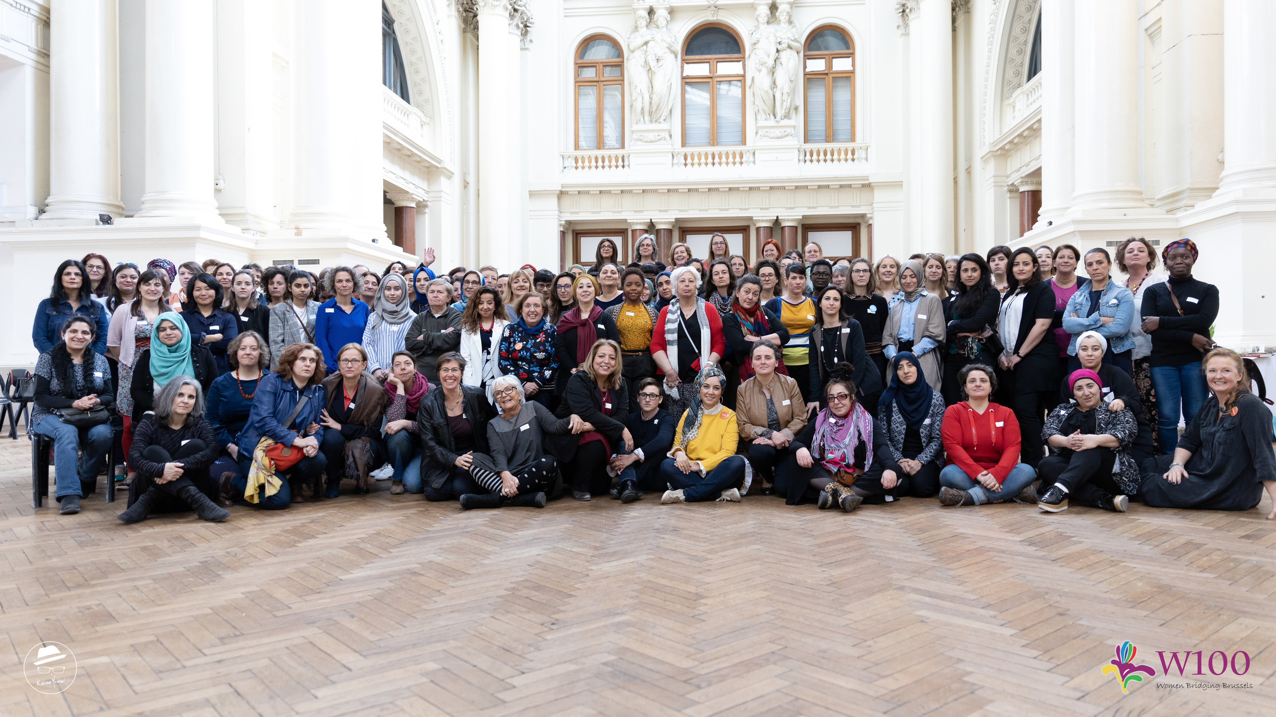 W100 - all 100 group photo - 30.03.19.jpg
