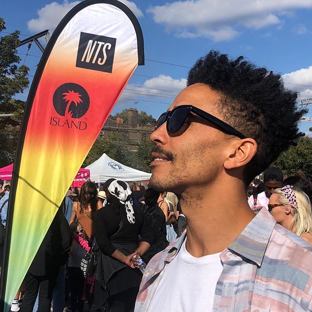 Niiice times with @chrismotch @hackneycarnival beats rice and peas ✌️ hair by @jamesthefish #whiphackney #hackneycarnival @afrofade #dreadlockhightop #arfobarber #menshair #veganhair #organichair