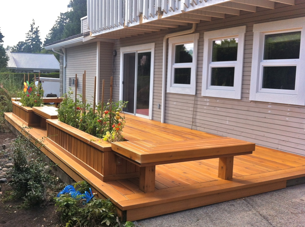 PATIO & BENCHES in RED CEDAR  2013