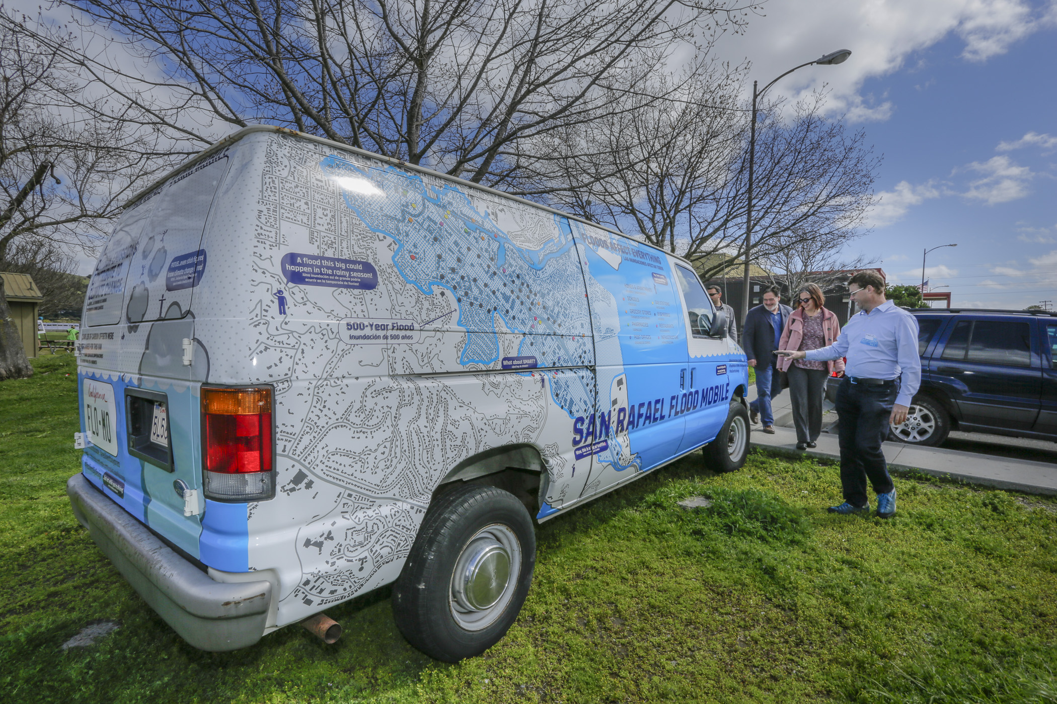 """flo-mo"" - a van designed to raise awareness"