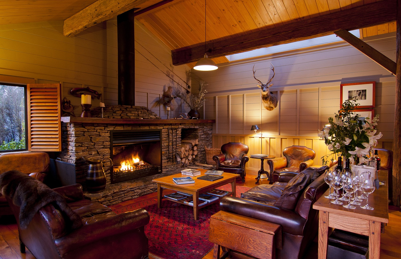 1360x880-the-lodge-lounge.jpg