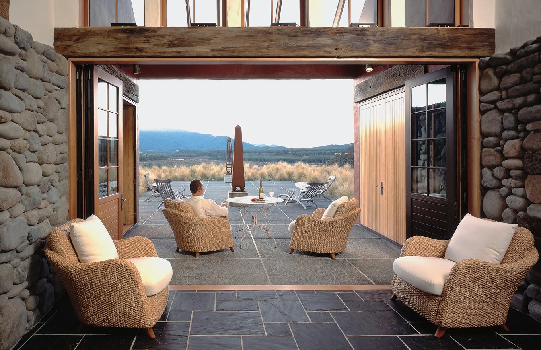 1360x880-blahouse-entrance-stay.jpg