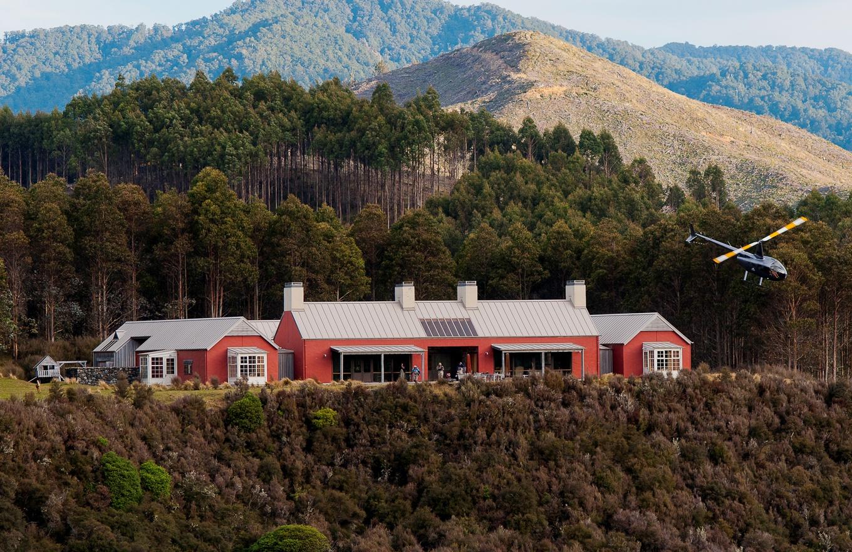 1360x880-blakehouse-outside-stay.jpg