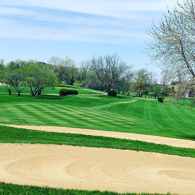 A bright sunny day = Golf #thehawkcc #privateclub #chicagogolf #golfmembership #stcharles #socialmembersip #diningmembership #golf #countryclub #thehawkcountryclub #playgolf #chicagoclub #weddingvenue #banquets #events #letsplaygolf #golfswing #golf #golfing