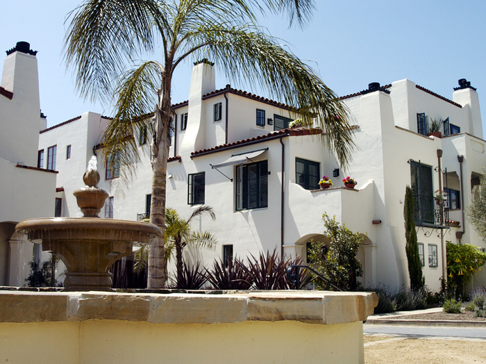 Villas Del Mar - Myopia 01.jpg
