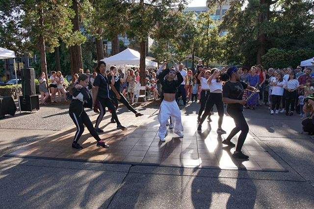 We loved seeing all of you have FUN and DANCE last night! 🕺💃 We had some funky music and great performances by members of our community! . #letsdesignets #eugenetownsquare #eugparkblocks #blockparty #cityofeugene #getinvolved #oregon #eugeneoregon #downtown #dance