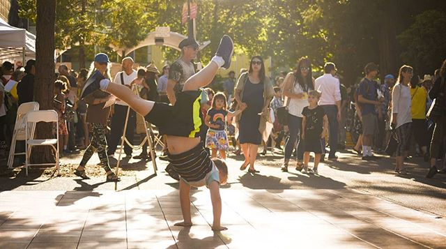 SEPTEMBER SHINDIG is THIS Thursday!! Come hang out with us in the Park Blocks for some great fun, food and family friendly activities! 😁 . Photos by Christopher Trotchie . #letsdesignets #eugenetownsquare #eugparkblocks #cityofeugene #getinvolved #oregon #eugeneoregon #downtown #september #shindig