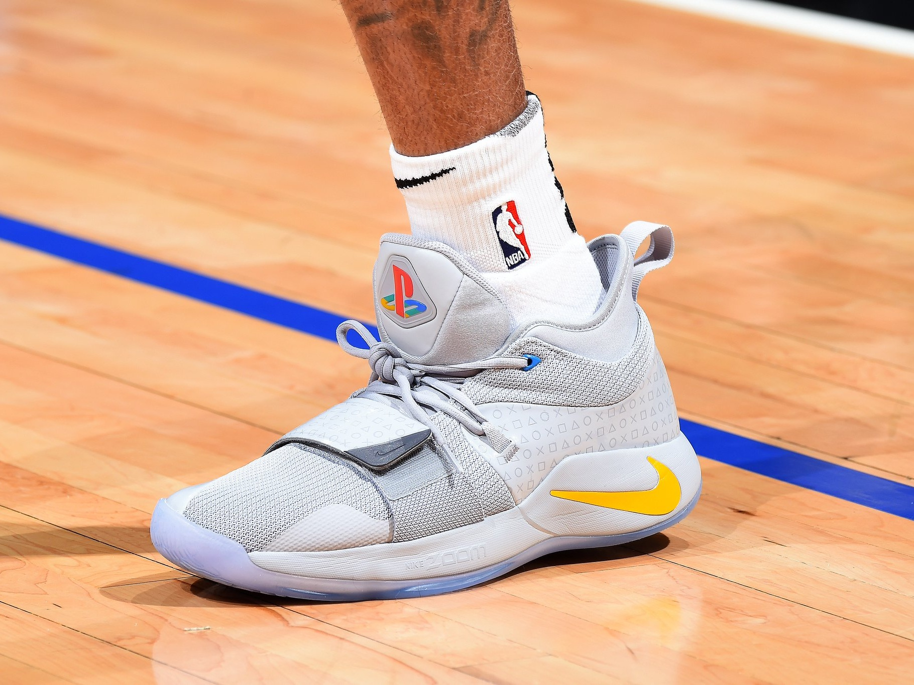 D'Angelo Russell drops 32 while sporting the Nike PG 2.5 - Brooklyn Nets vs. Los Angeles Clippers | March 17, 201932 Points10 Assists5 Rebounds1 Steal11-26 Shooting
