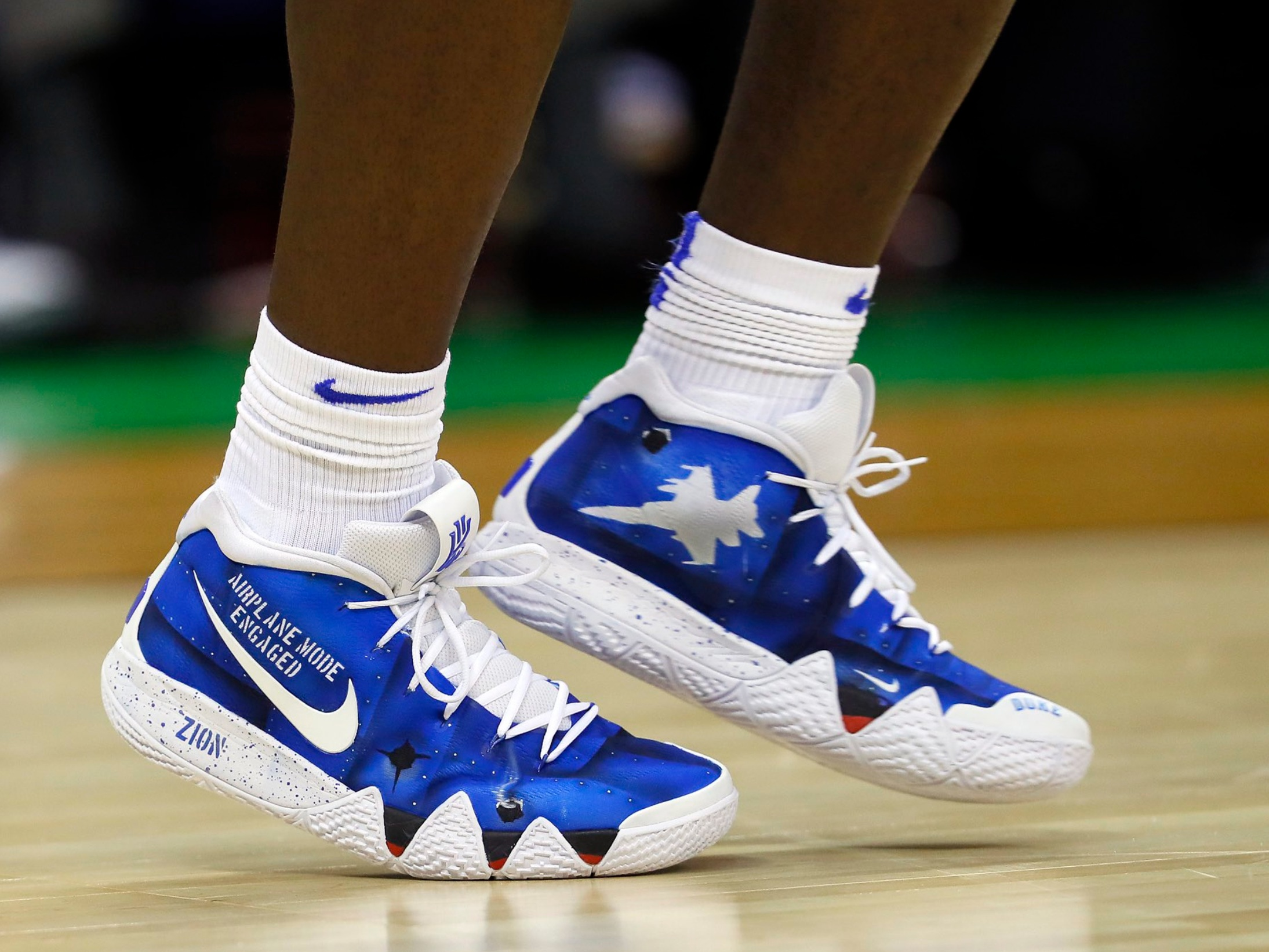 Zion Williamson wearing custom Kyrie 4 - 25 Points3 Rebounds1 Steals12-16 Shooting