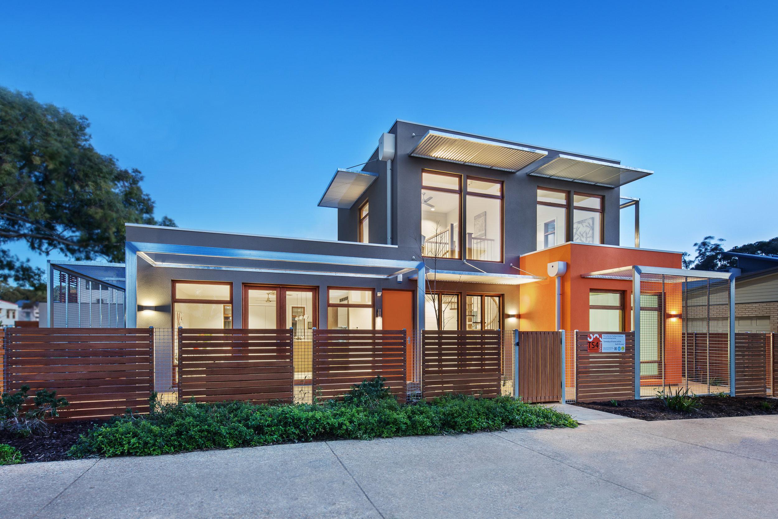 ZERO CARBON HOUSE -