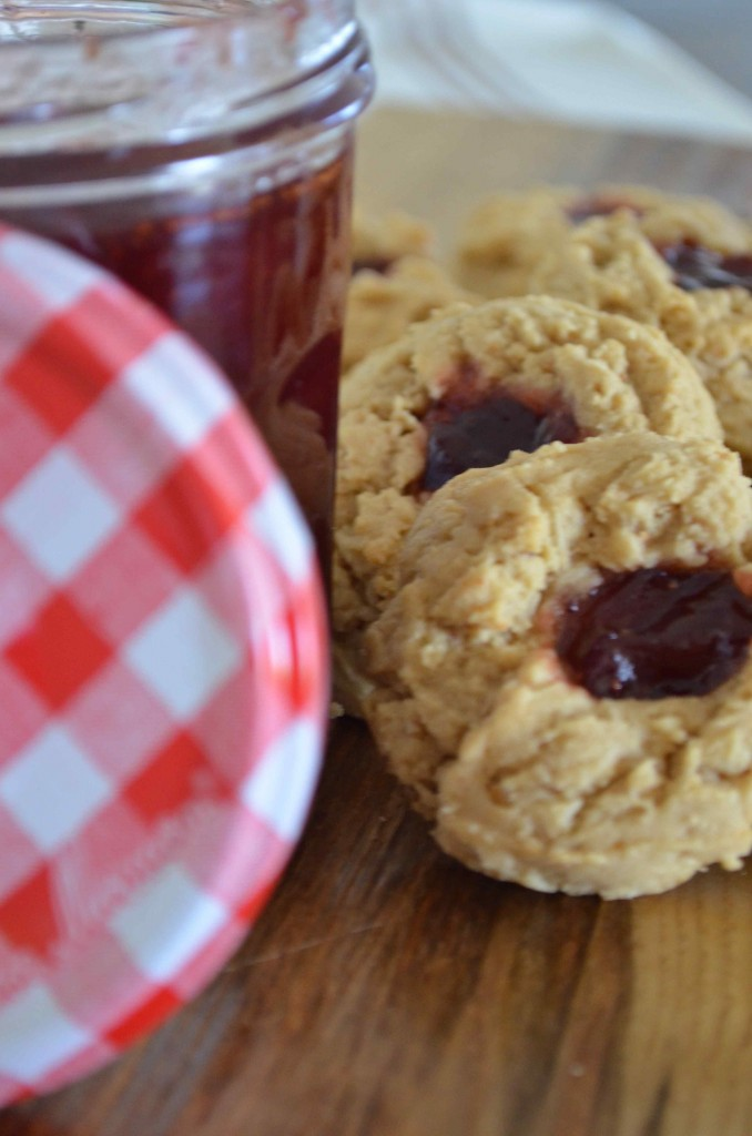 Peanut Butter and Jelly Oatmeal cookie