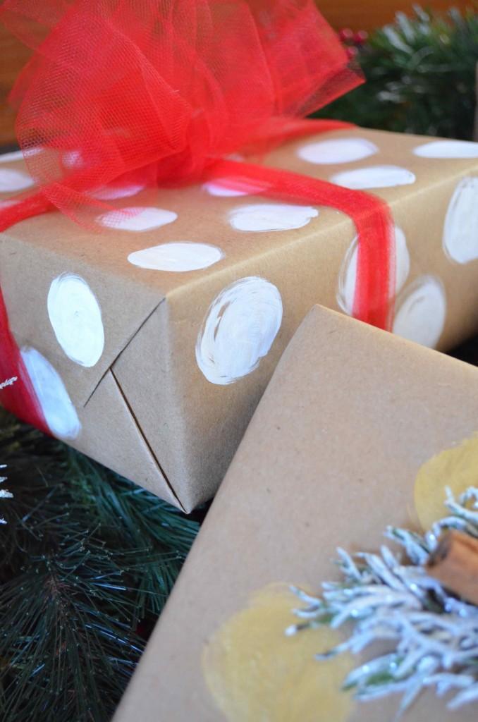 Gift wrapping Maria Provenzano