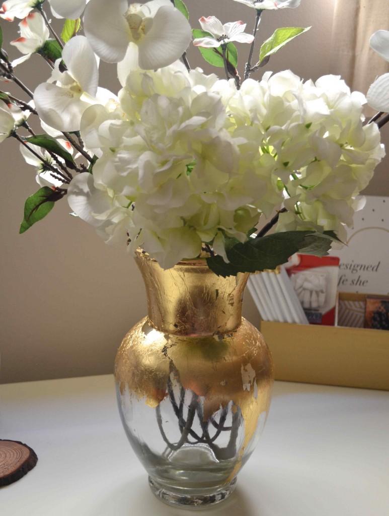 gold vase 10