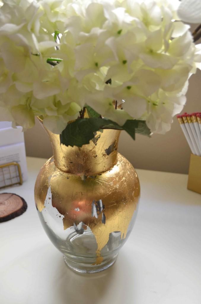 gold vase 11