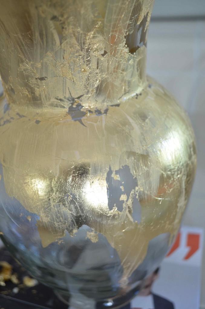 gold vase 13