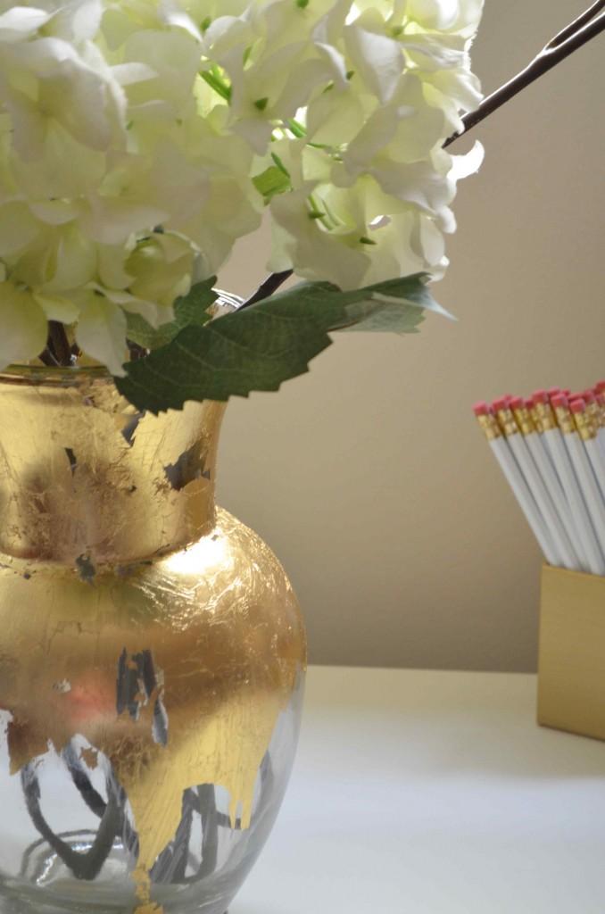 gold vase 2