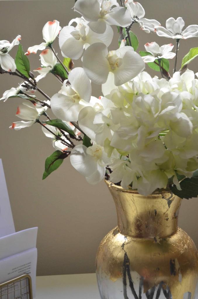 gold vase 3
