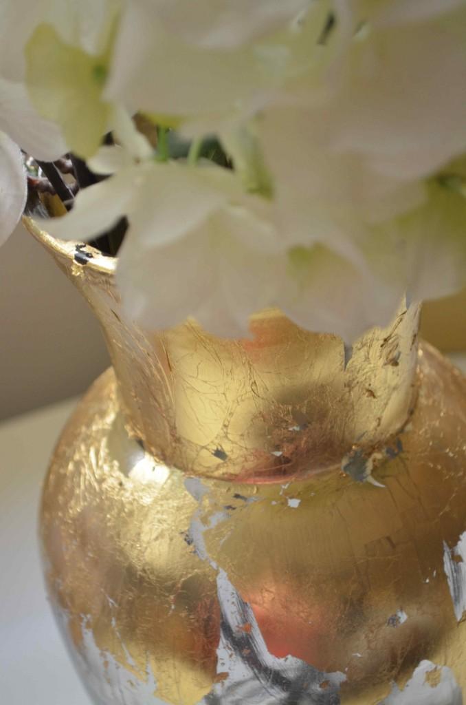 gold vase 7