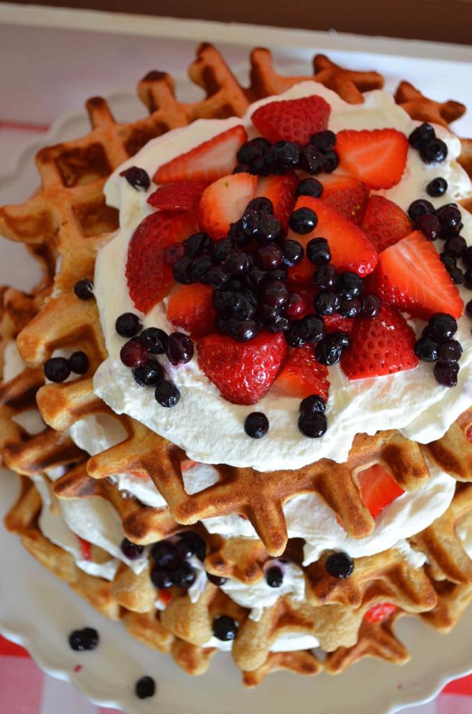 waffles mascarpone cream