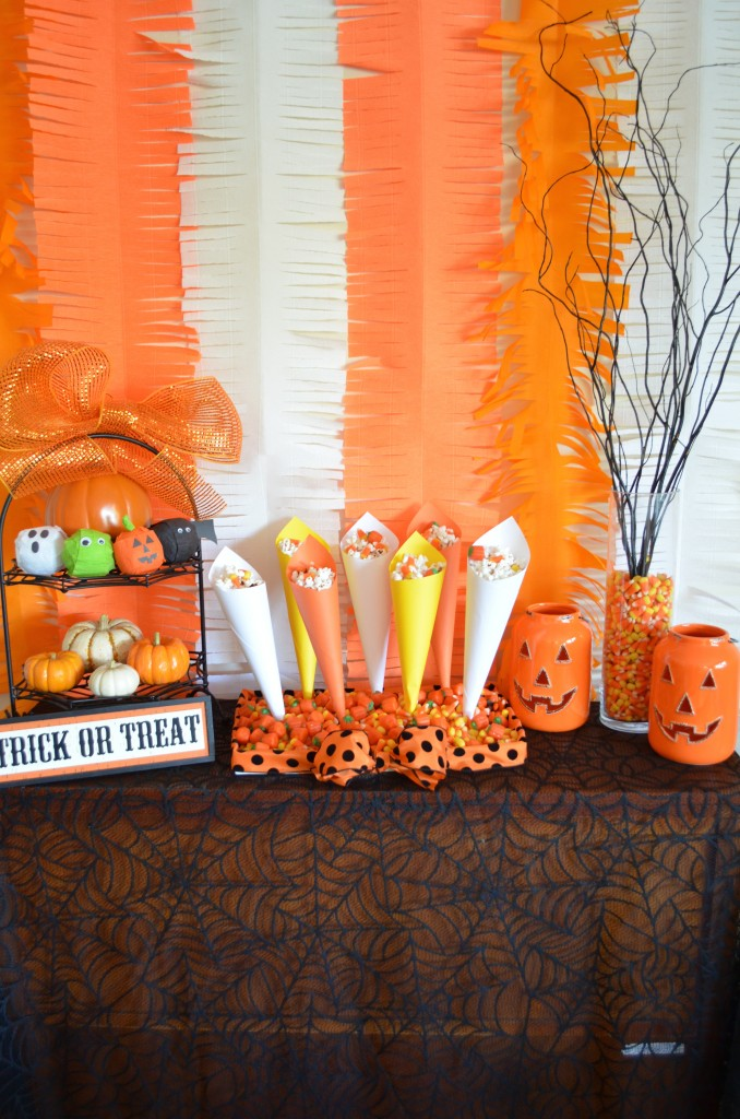 Halloween Popcorn Cones and Candy Corn Tray From Scratch With Maria Provenzano. Click for tutorial!
