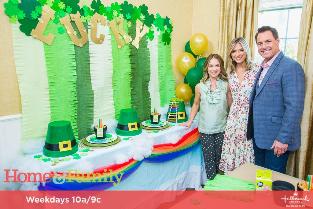 DIY St. Patrick's Day Tablescape