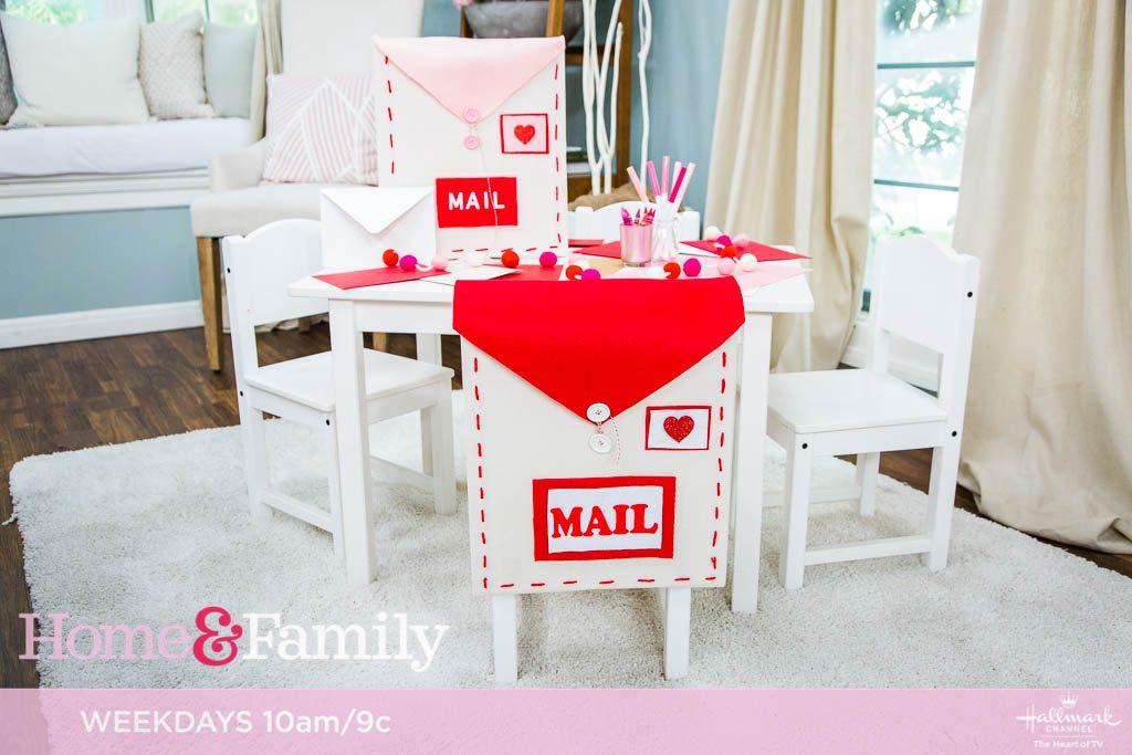 DIY Valentine's Day Mail Carrier
