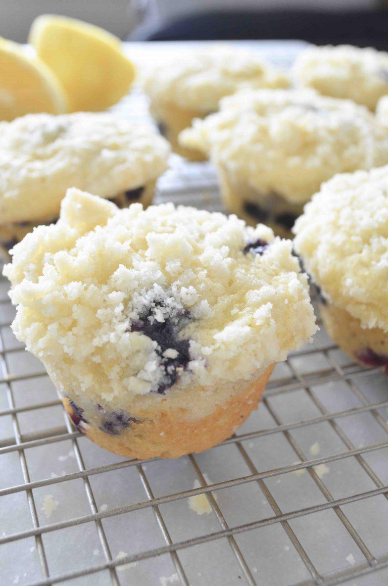 lemon-muffins-3-768x1160.jpg