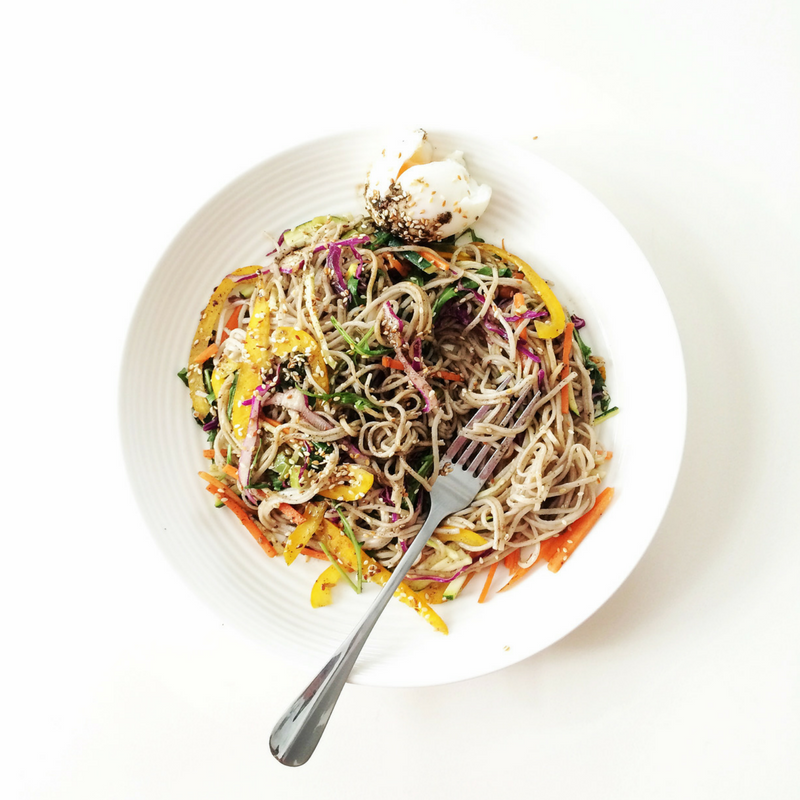 a-healthy-lunch-experts-recipe-for-sesame-beef-noodles-vogue-lunch-lady-lou-2.png