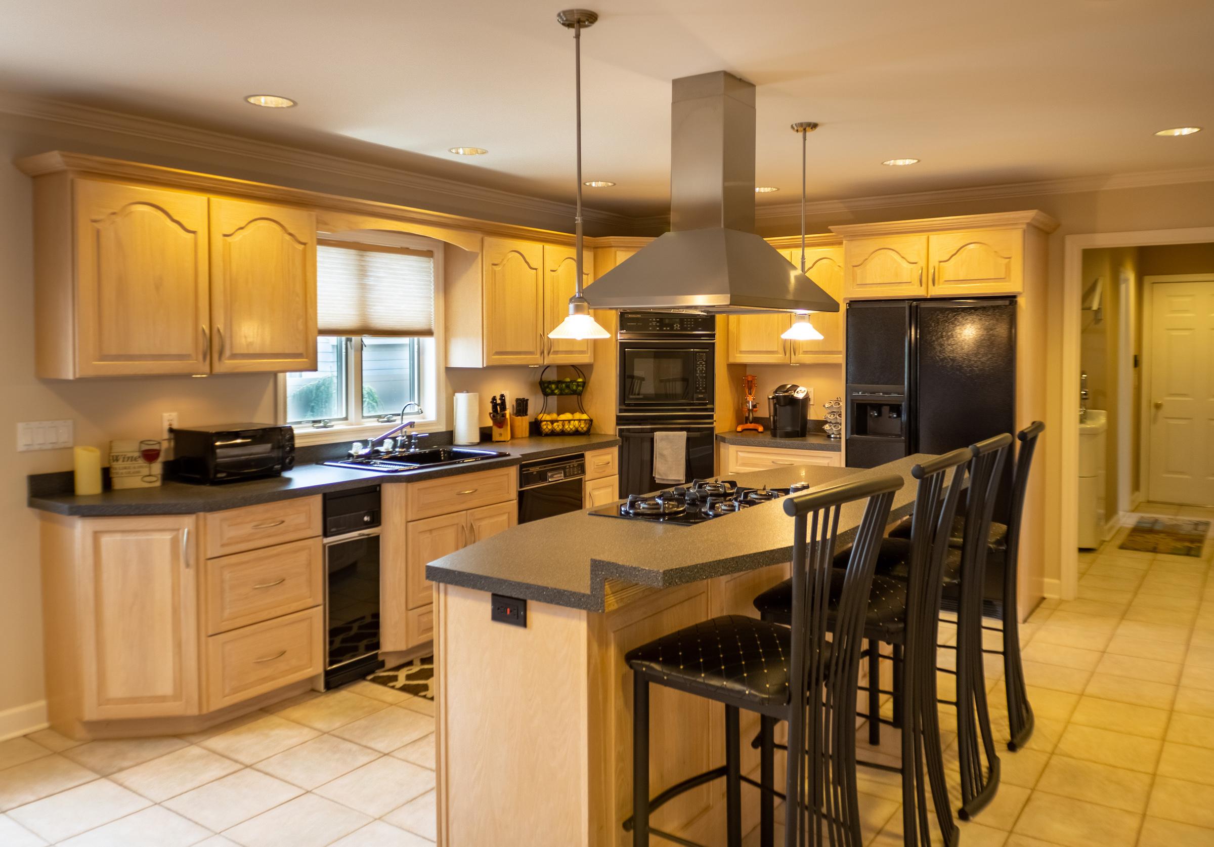 kitchenmiddle2.jpg