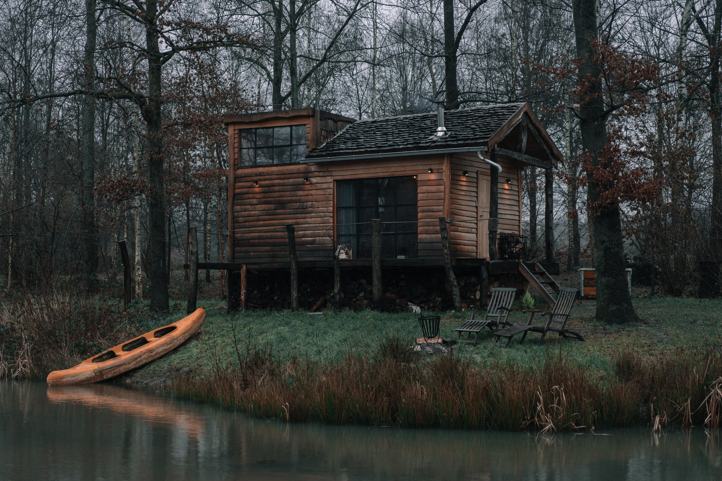 The Forest - A little Tiny House lost in the woods, 35 minutes from Brussels. You definitely have to visit this place.