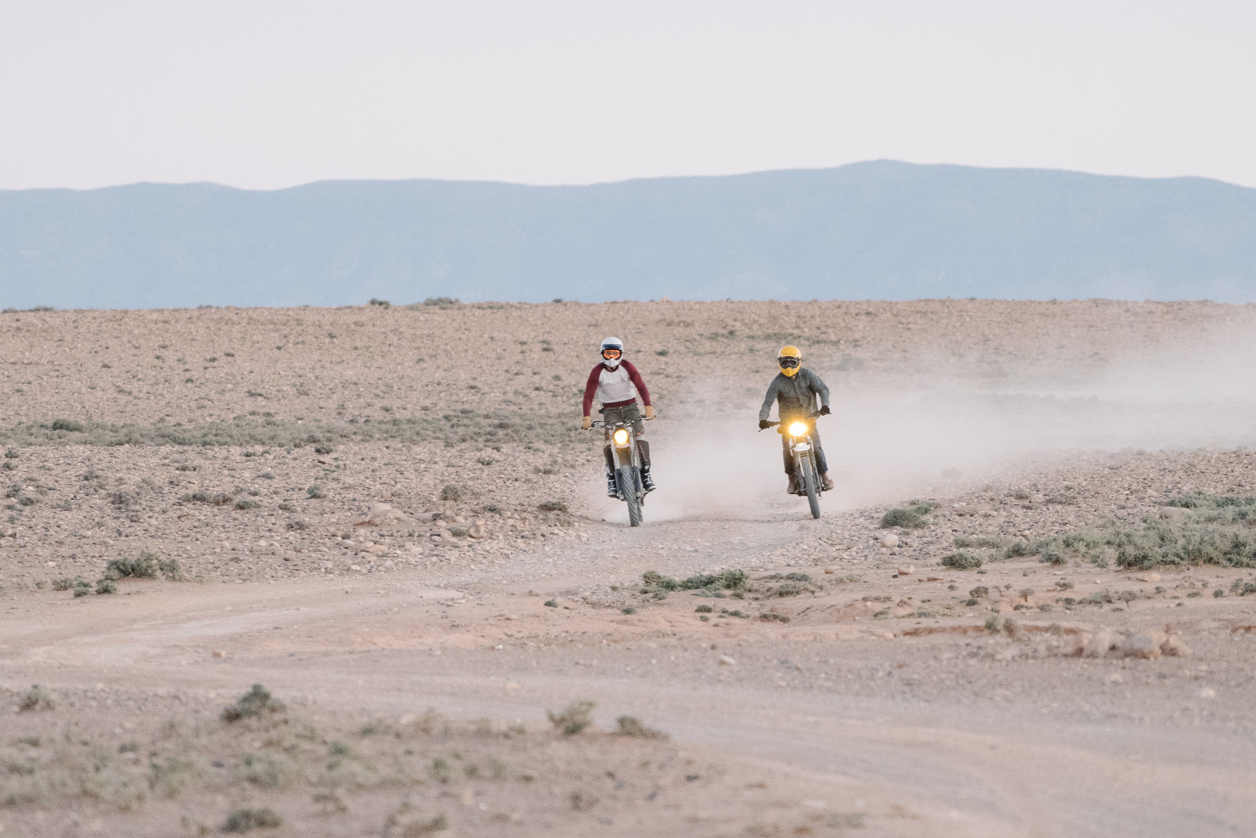 Morocco 2019 - A roadtrip with #HenriTheBus with motorbikes, surfboards and friends around Morocco.Photos are taken by Nicolas Denis, Gregoire Kengen and me.