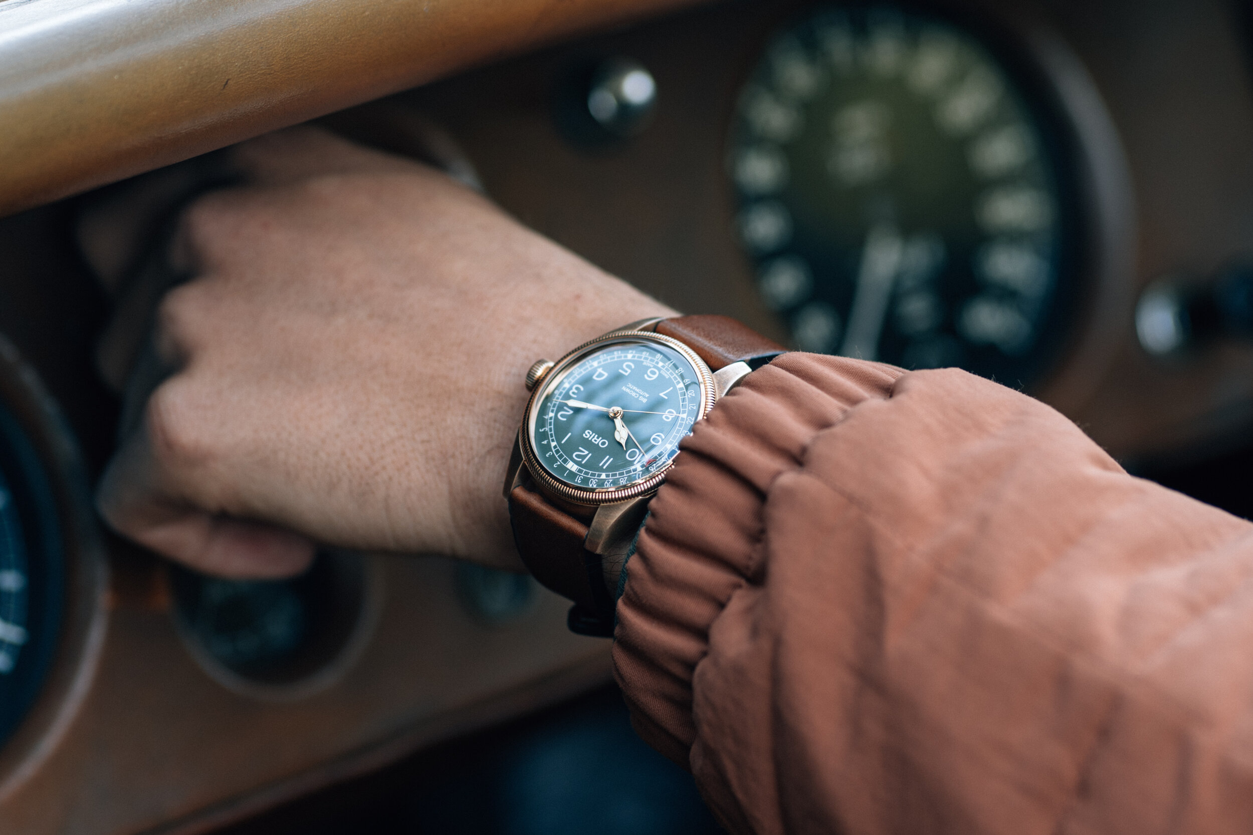 Oris - Back in the past with Oris and an old Jaguar.