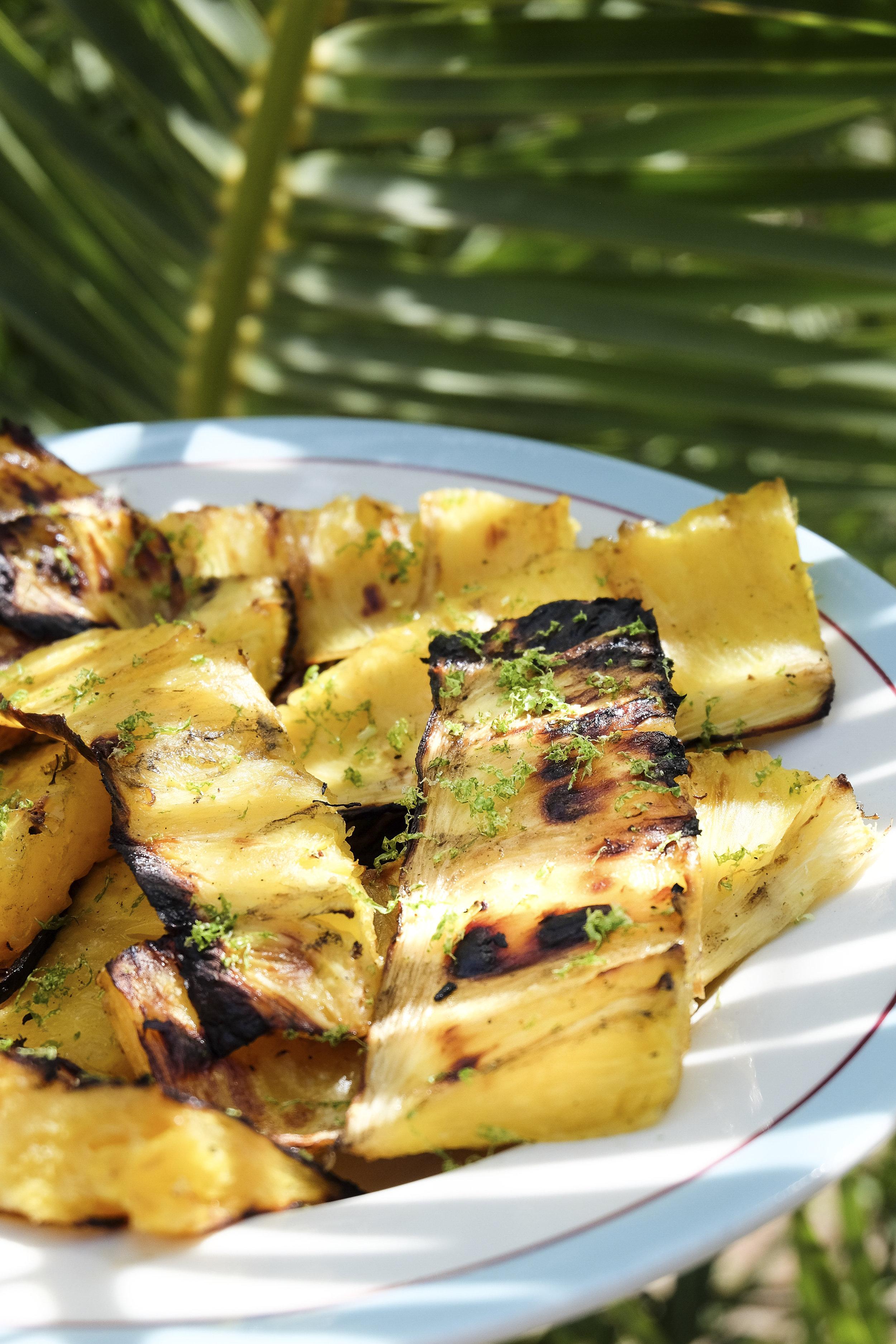 Ananas met steranijs en chilipeper -